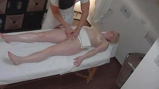 Порно массажным скрыты камера