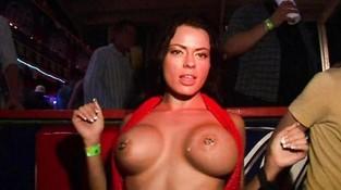 забавный порнозвезда саша роуз в сценах с дуплетом сайт!е
